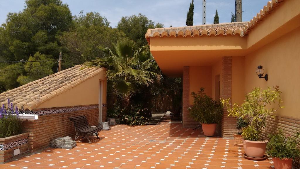 Terrasse Spacieuse : Villa spacieuse avec immense terrasse et vues panoramiques