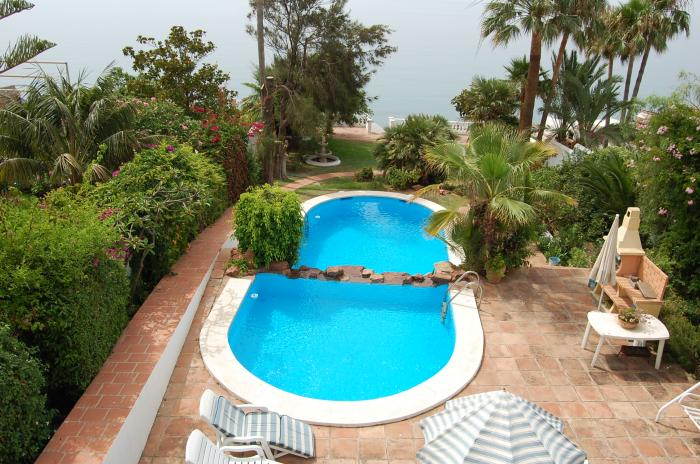 Luxury villa for sale with pool in Nerja Málaga