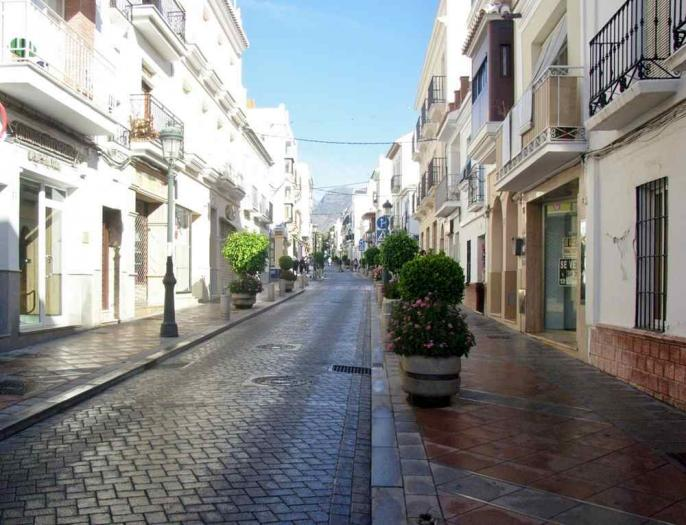 Hotel for sale   in Nerja , Málaga