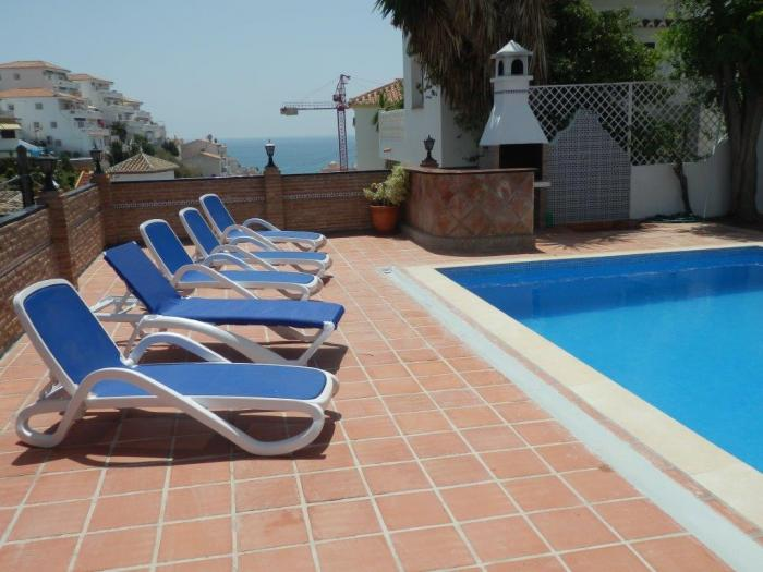 Excellent detached villa for sale near Burriana beach with pool, Nerja , Costa del Sol