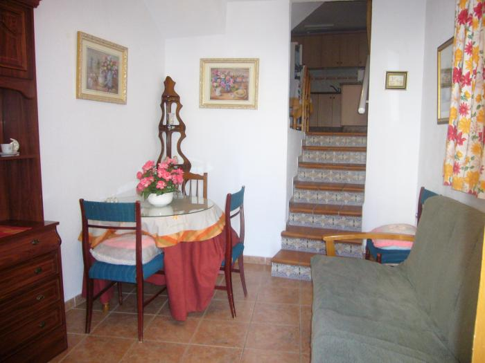Fully Furnished townhouse for sale in Almuñécar Granada
