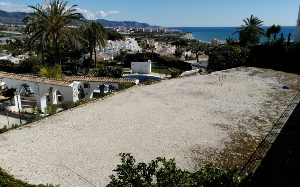 Plot for sale   in Nerja , Málaga