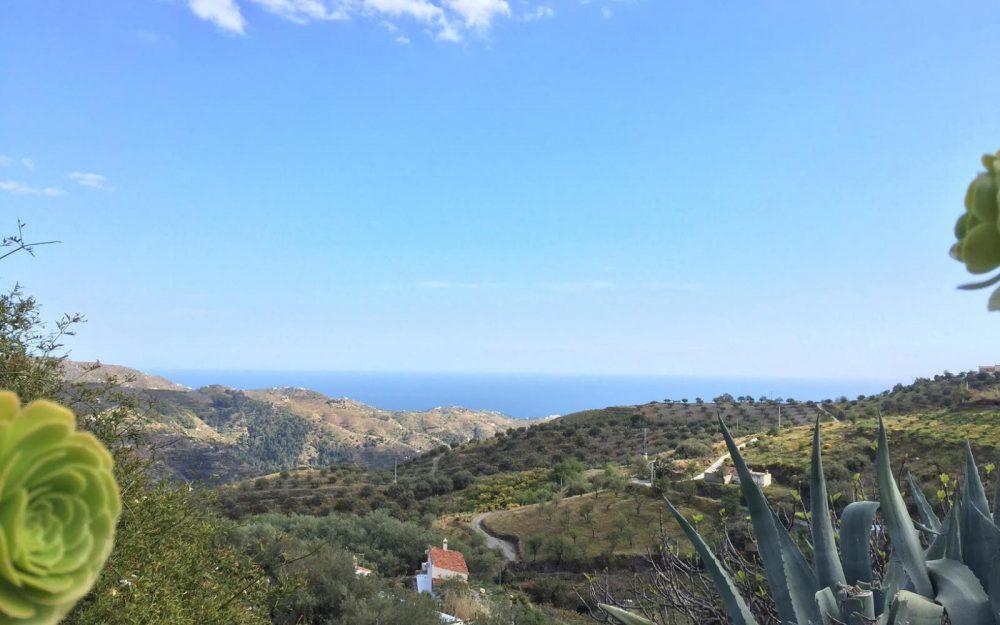 Vente cortijo entièrement rénové avec magnifiques vues mer à Gelibra Almuñecar