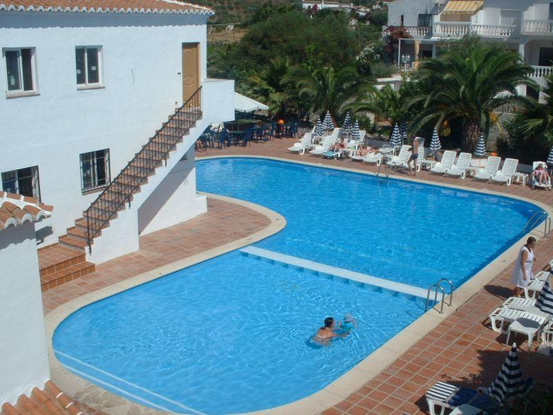 Fully Furnished Apartment for sale with pool in La Noria Nerja