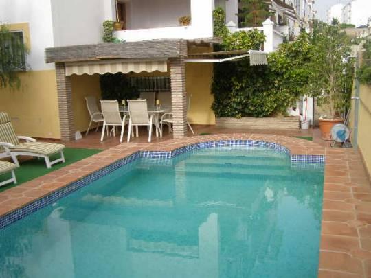 Fully Furnished Villa for sale pool  in Nerja , Málaga