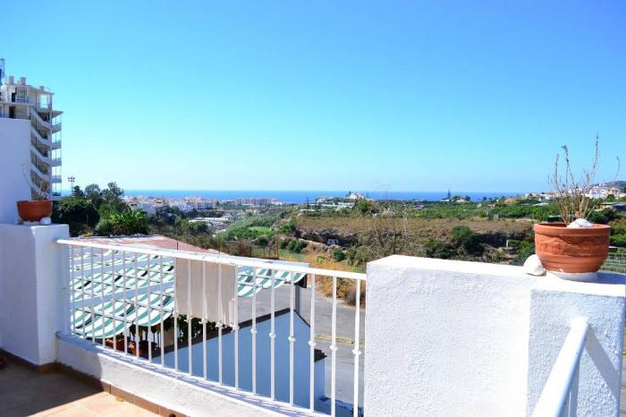 Large end of terrace villa with magnificent views for sale in Nerja Almijara, Málaga