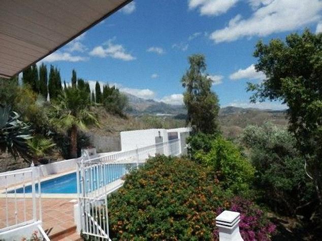 Villa for sale pool  in Viñuela Pago albacete, Málaga