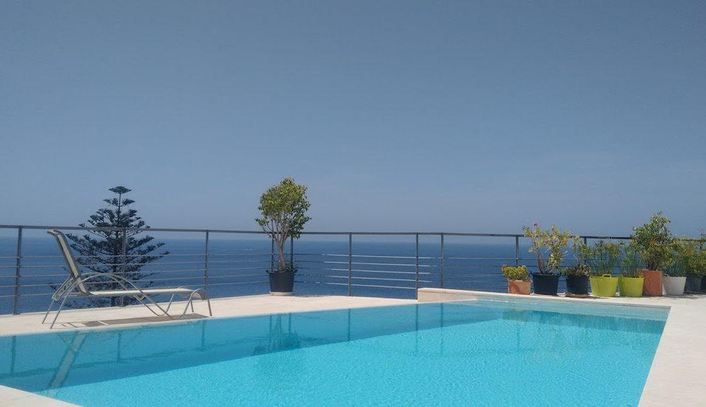 Belle maison d'architecte avec vue sur la Baie de la Herradura Costa Tropical en vente