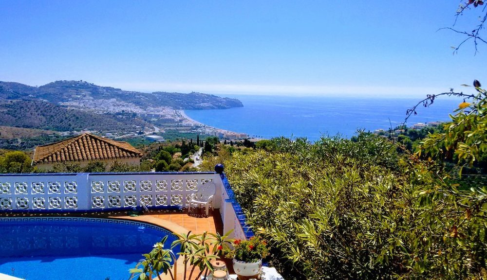 Delightful villa with impressive views of La Herradura in San Antonio