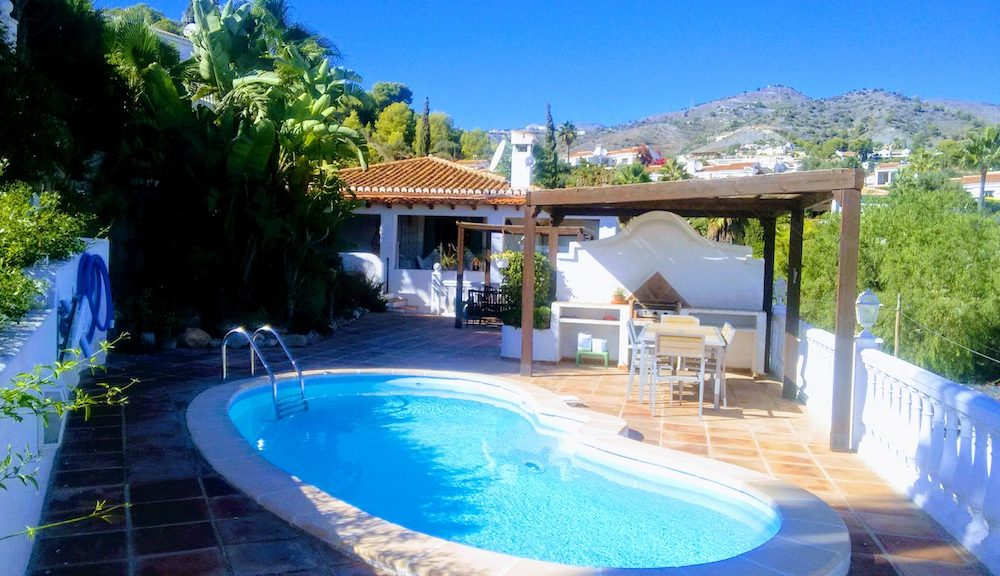 Beautiful house overlooking the bay of La Herradura and mountains private pool