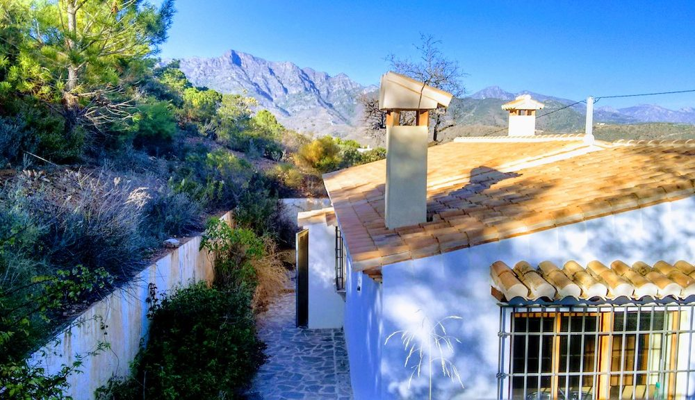 Pretty house for sale in the Cerval La Herradura on a plot of more than 2 hectares
