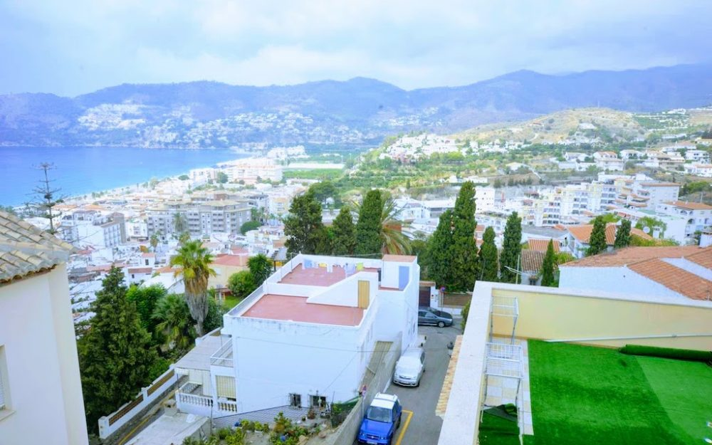 Two-bedroom apartment with community swimming pool brand new La Herradura