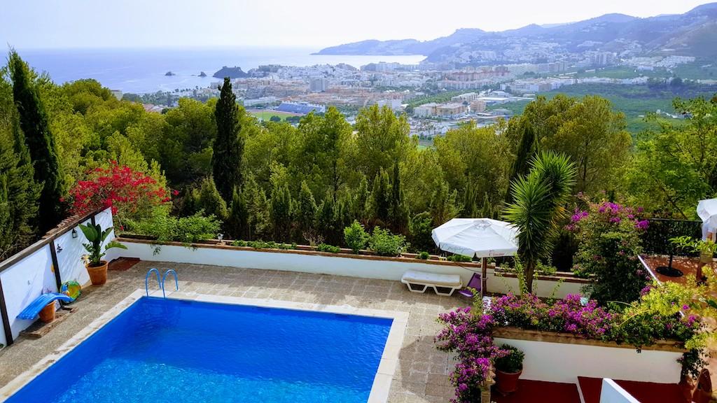 Les plus belles piscines prives du monde serenity pers u for Trop de chlore piscine
