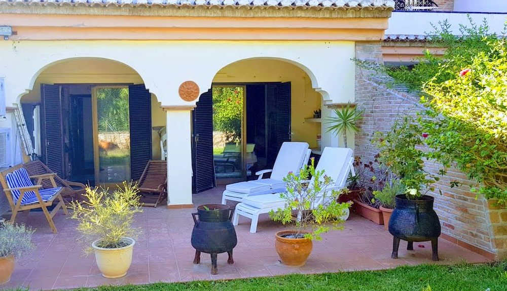 Large and beautiful apartment with terrace and garden in La Herradura Costa Tropical for sale
