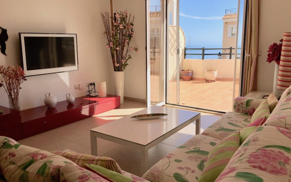 Luxurious apartment with WIFI and beautiful terrace for holiday rentals in La Herradura