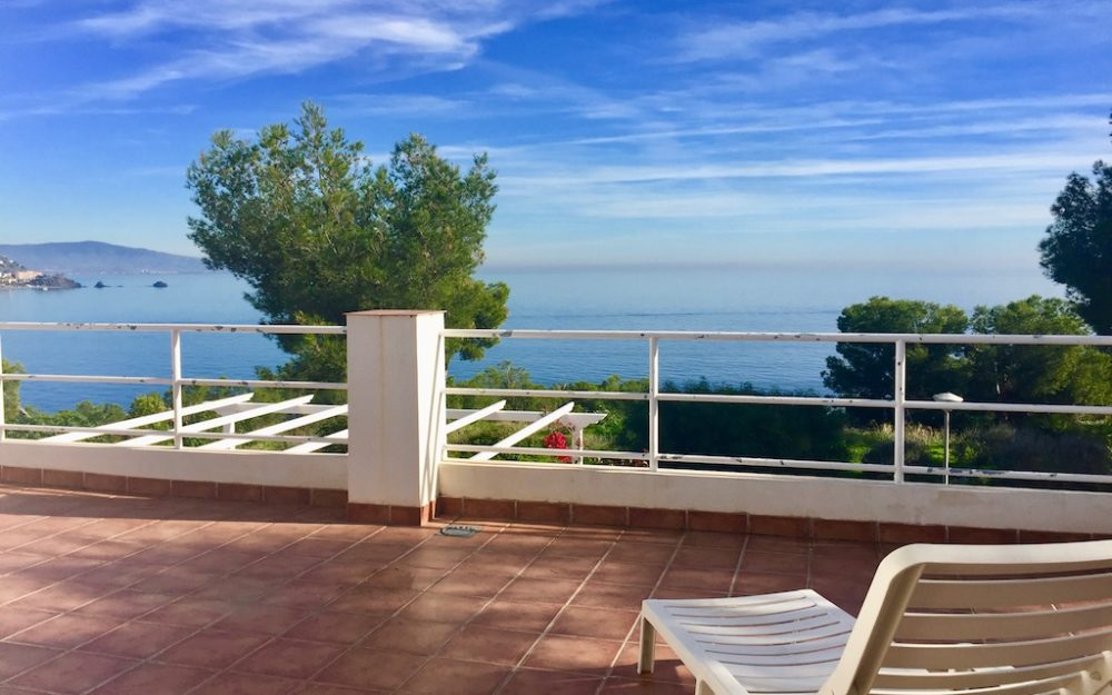 Beautiful and large house with splendid views over the sea in Marina del Este La Herradura for sale