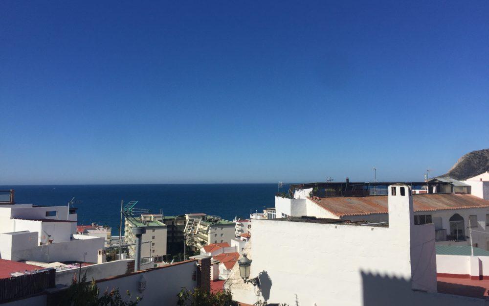 Petit prix pour cet appartement impeccable proche de la plage de la Herradura excellent investissement