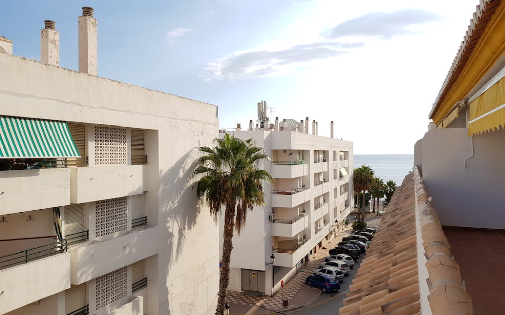 Beautiful penthouse in the center of La Herradura a few meters from the sea
