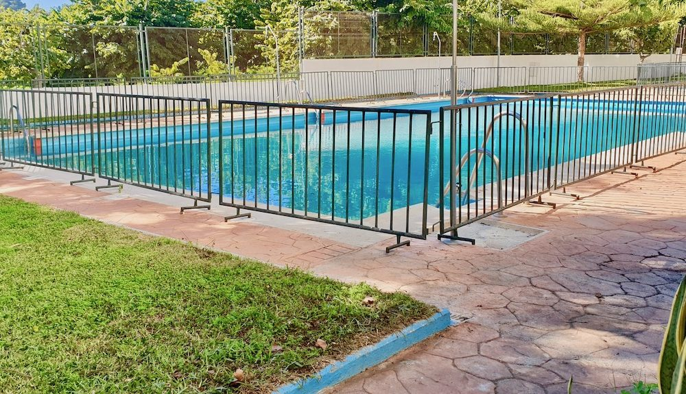 Bel appartement refait à neuf dans le centre d'Almuñécar avec piscine et garage fermé en Vente