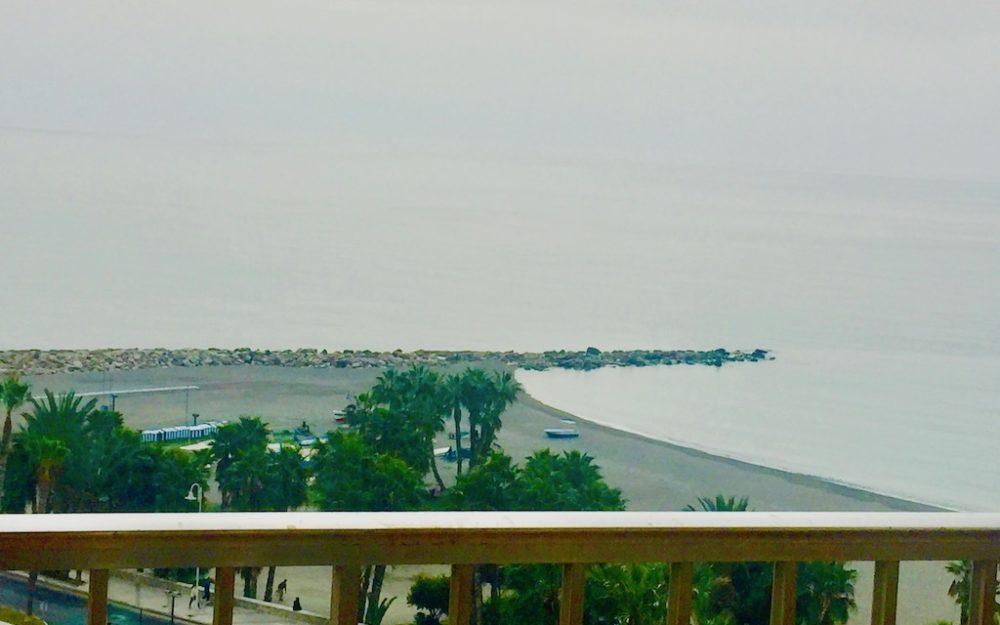 Appartement sur Almuñecar avec belle vue mer à réformer avec piscine communautaire, tennis, padel