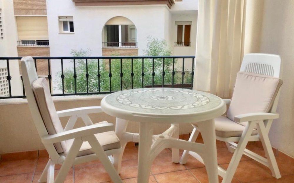 Appartement impeccable en bord de mer avec terrasse à La Herradura en vente