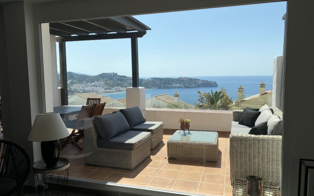 Beautiful modern house on the heights of La Herradura, Cerro Gordo with communal pool holidays rental