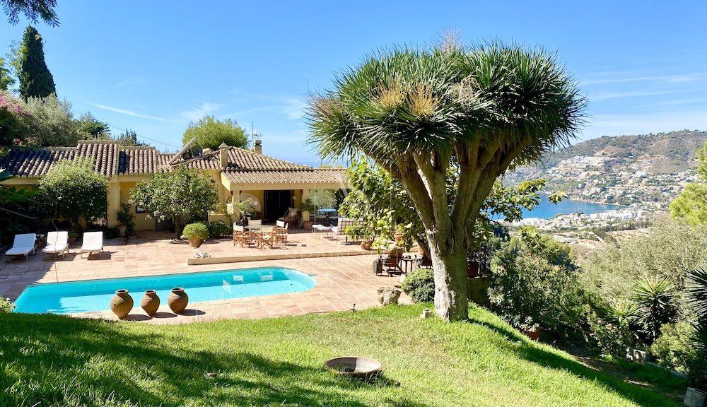 Superb villa with a huge plot private pool sea views San Carlos La Herradura