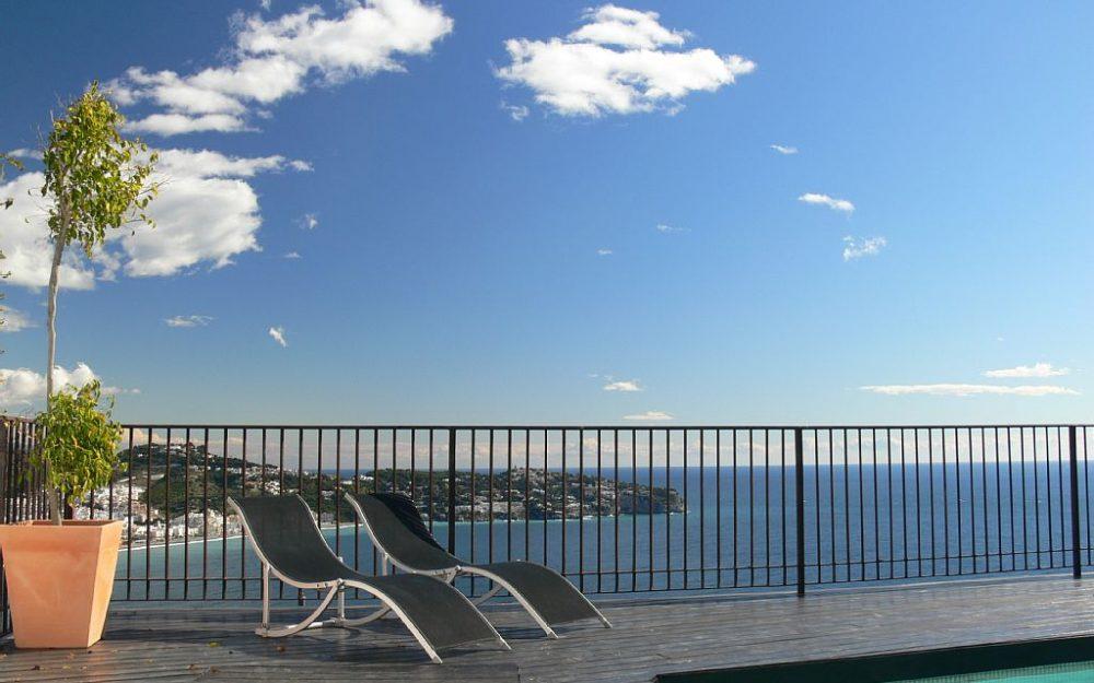 Holiday luxury designer villa in Cerro Gordo La Herradura with private pool