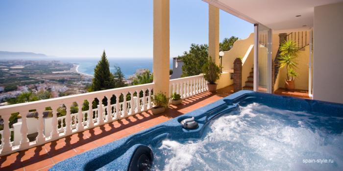 Luxury Fully Furnished Villa for sale pool  in Nerja , Málaga