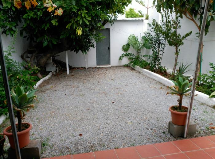 Townhouse for sale in Nerja walking distance to the beach, Málaga