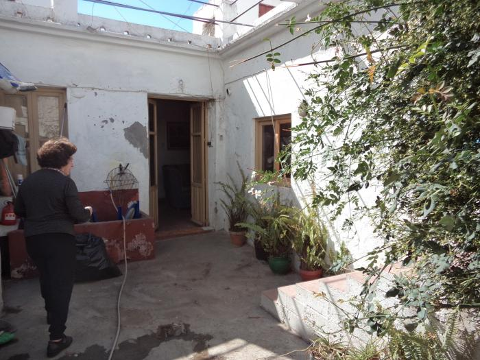 Vllage house with excellent location to reform centre of Nerja, Málaga