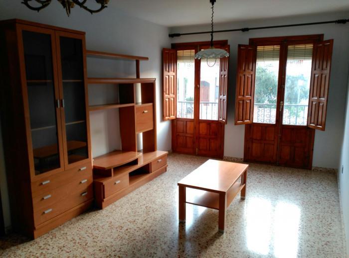 Sunny apartment for sale in Frigiliana, Málaga