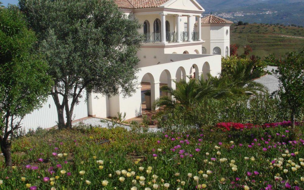 Superb luxury villa for sale with pool in Viñuela, Costa del sol