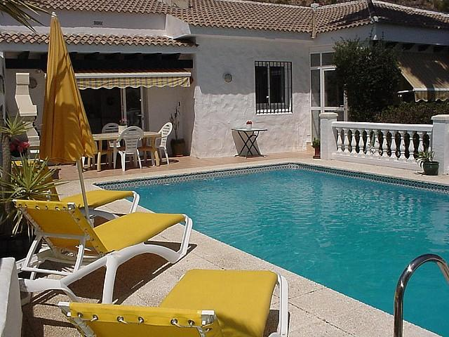 Country house for sale with pool, stable and paddock near Nerja