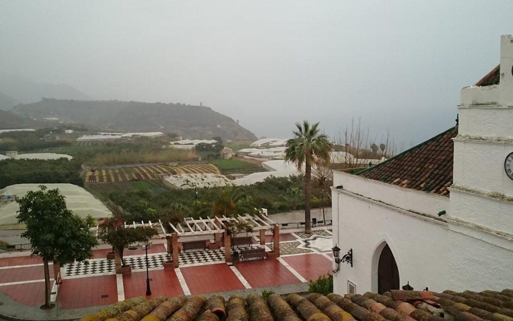 Casa de pueblo en venta en Maro cerca de la playa, Malaga