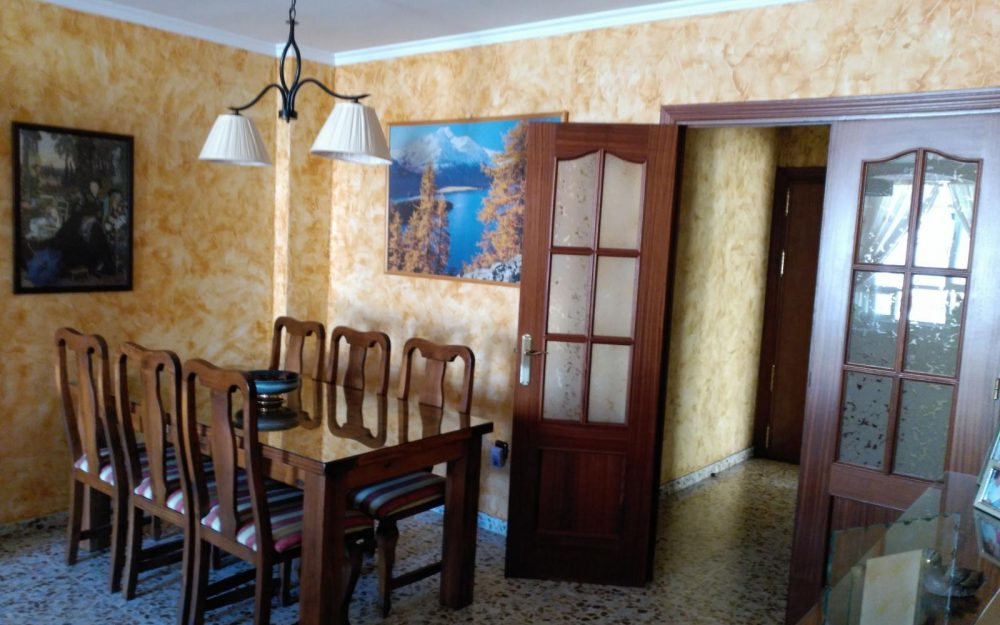 Large apartment with garage and pool for sale in Nerja Málaga