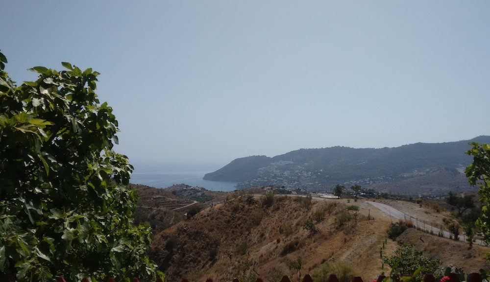 Charming and comfortable Cortijo for rent with sea views and close beach La Herradura