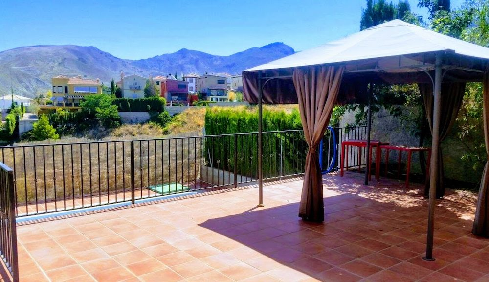 Lovely house in Monachil with magnificent mountain views and good connection to Granada