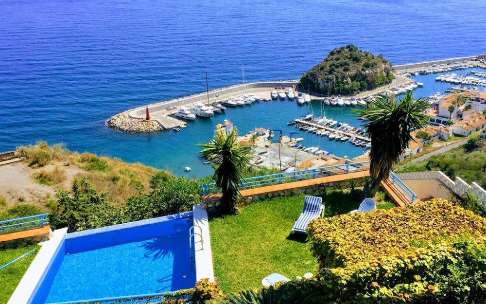Fantastic villa for holiday rentals in the very popular Punta de la Mona with splendid views