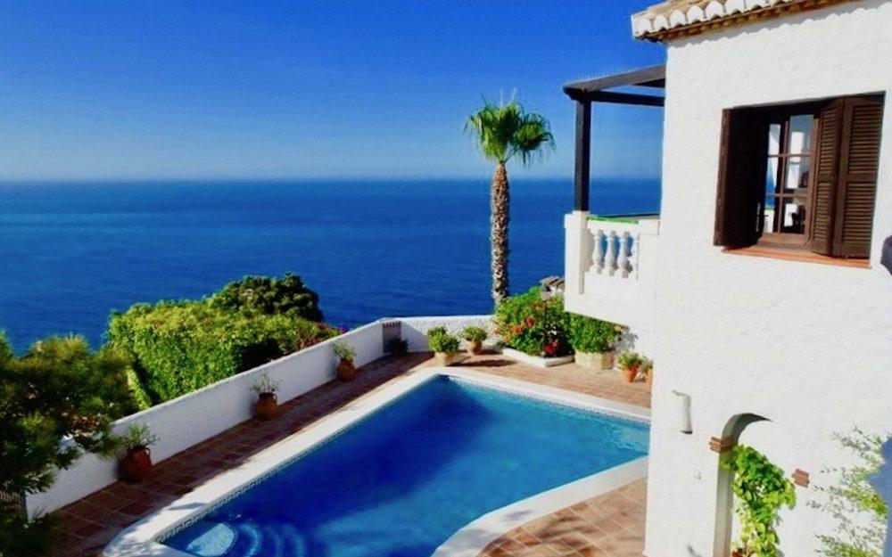 Preciosa villa con espléndidas vistas al mar en Cotobro Almuñecar en venta