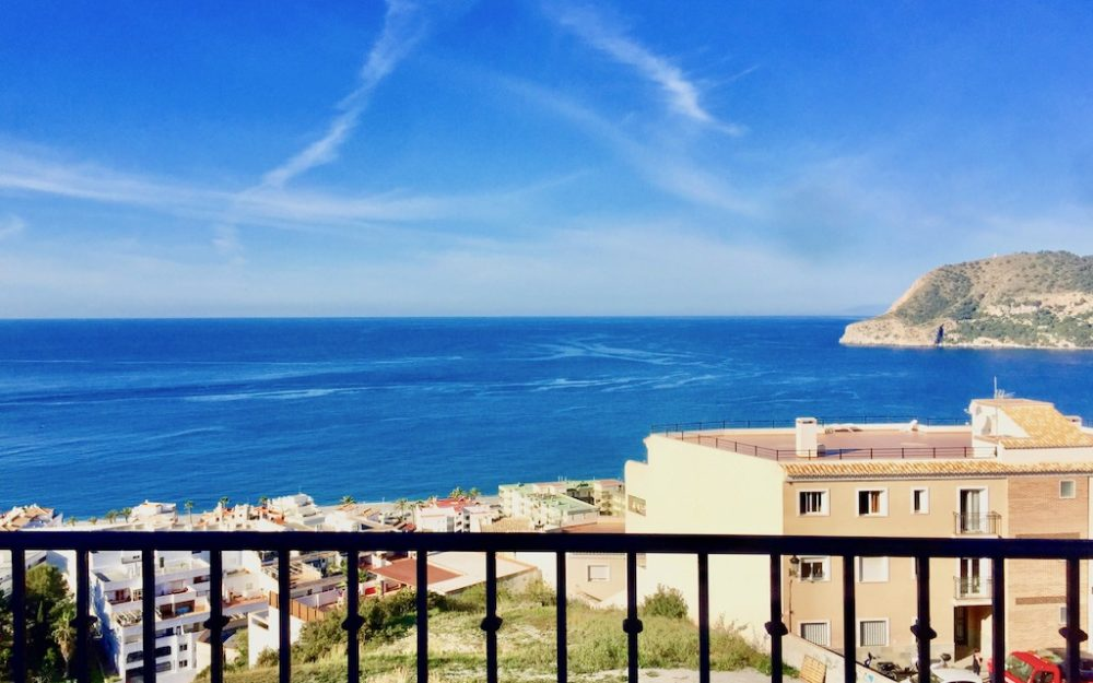 Brand new apartment with panoramic sea views and communal pool in La Herradura for sale